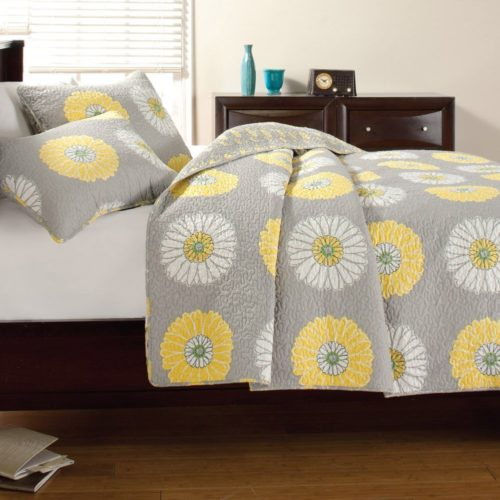 Yellow Floral Bedding Large Scale Sunflower Bedspreads 3pc Quilt Set Full Queen, Gray Yellow Floral Patchwork by Cozy Line Home Fashions