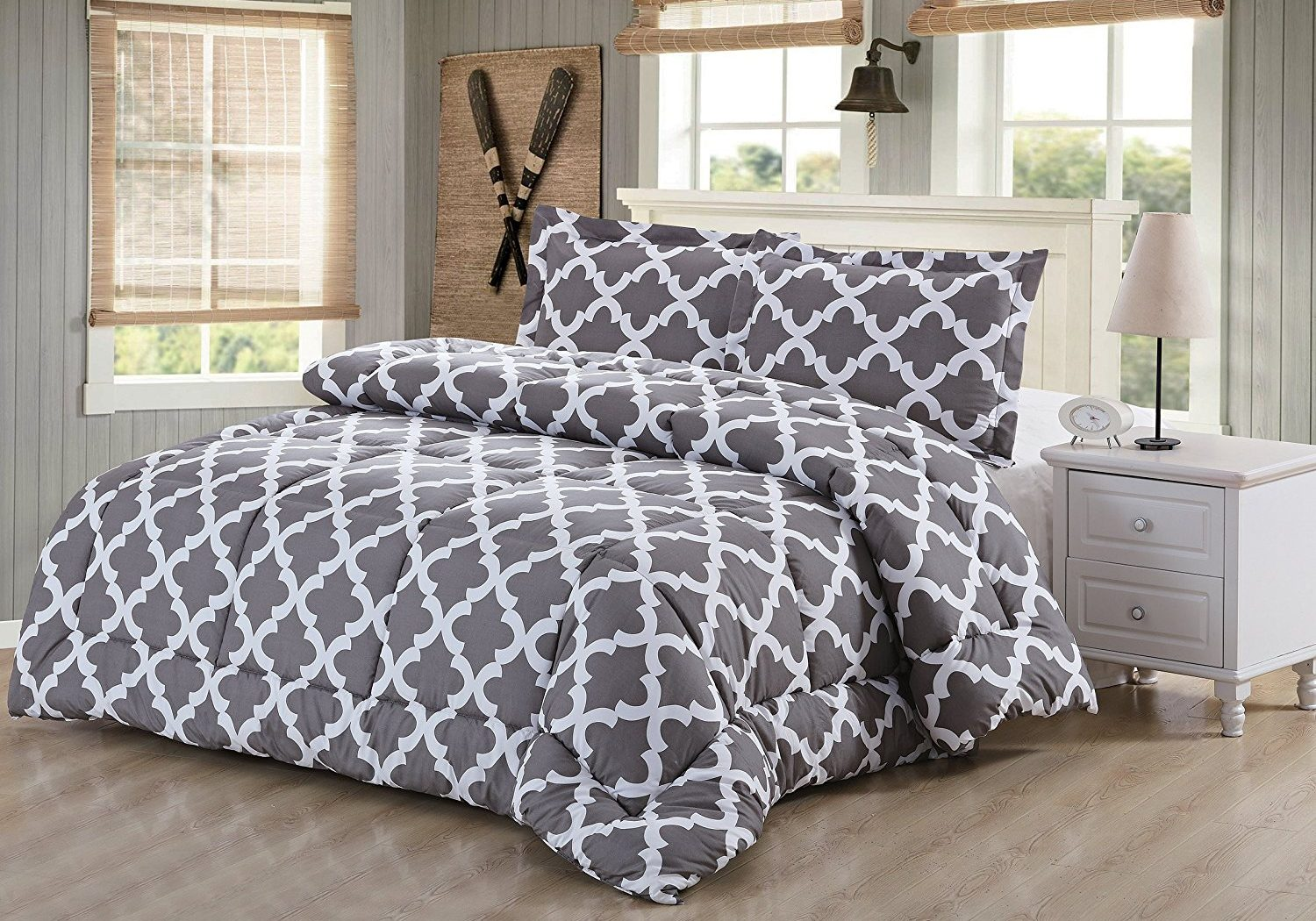 what is duvet what is duvet cover what is comforter in abstract color. Black Bedroom Furniture Sets. Home Design Ideas