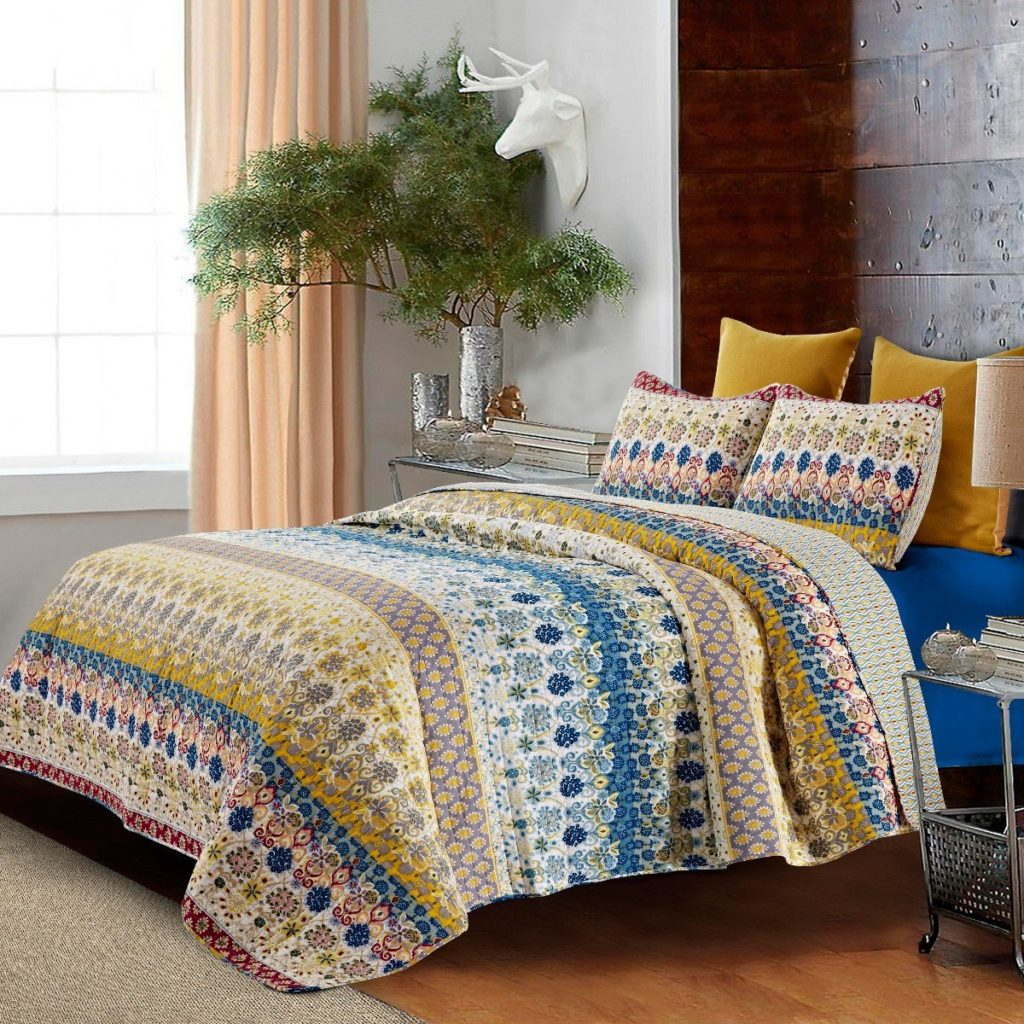Boho Chic Bedding Floral Oversized, Boho Quilt, 2 Boho Shams, Boho Bedding