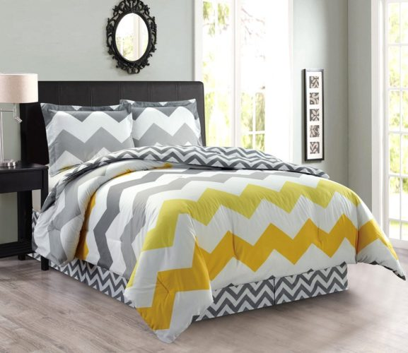 4-Piece Oversize CHEVRON ZIGZAG Reversible Designer Goose Down Alternative Comforter Set King Size Bedding (Yellow, Grey, White)