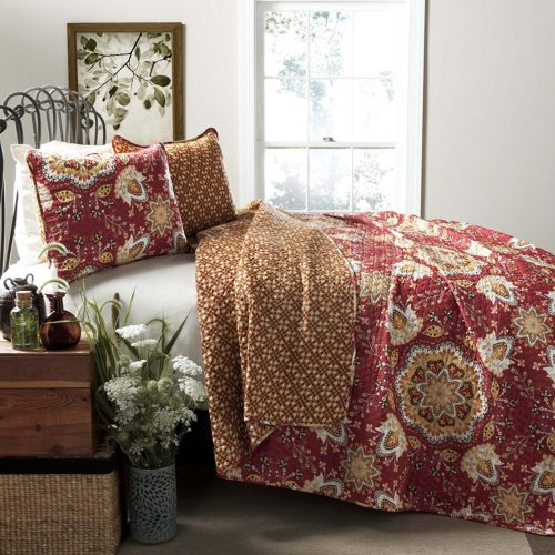 Burgundy Bedspreads - Lush Decor Addington 3-Piece Quilt Set, King, Red