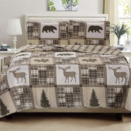 Animal Safari Print Bedding Great Bay Home 3-Piece Lodge Quilt Set with Shams. Durable Cabin Bedspread and Shams with Rustic Printed Pattern. Stonehurst Collection Brand. (King) available at luxcomfybedding.com