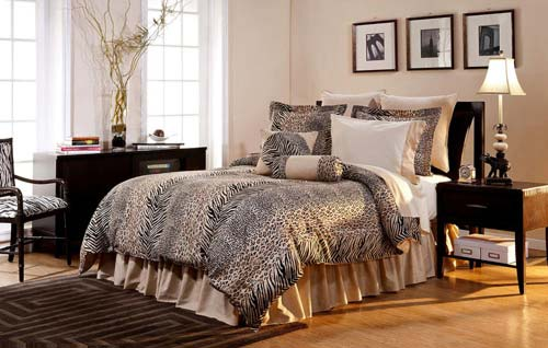 Pointehaven Printed 300 TC 3-Piece 100-Percent Combed Cotton Duvet Set, Urban Safari, King at luxcomfybedding.com